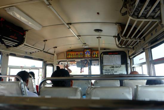 バスの中風景(スリランカ)