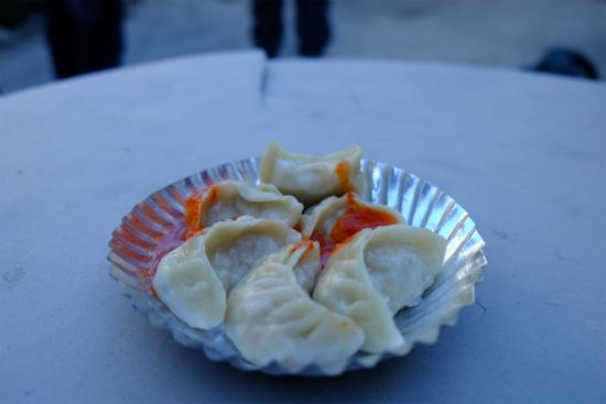 TRUTUKトゥルトゥク村の西の国境近くで食べたモモ