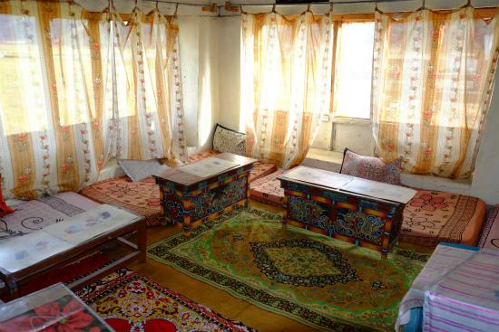 ザンスカールに行く途中の村の宿泊所