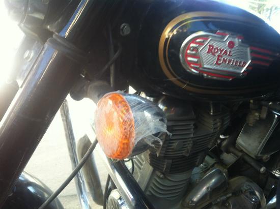 レーのバイクレンタルでロイヤルエンフィールドROYAL ENFIELDを借りる