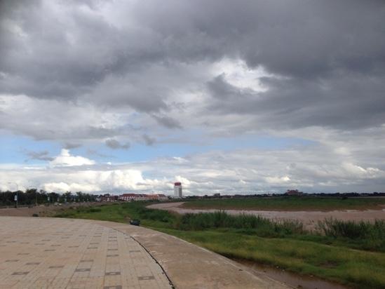 バンコクからラオス列車の旅 マラソン