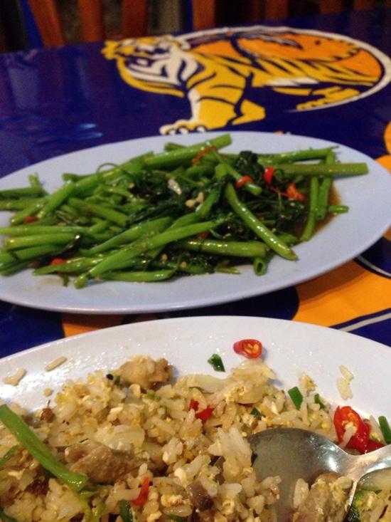 バンコクからラオス列車の旅 空芯菜
