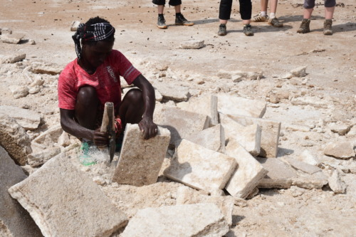 エチオピア アディスアベバ ダナキル砂漠ツアー 潮の採掘