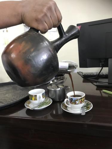 エチオピア アディスアベバ コーヒーセレモニー