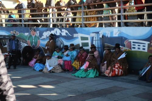 ラパス観光で公園に行ったりエルドラドの泥棒市やオバプロを見た。